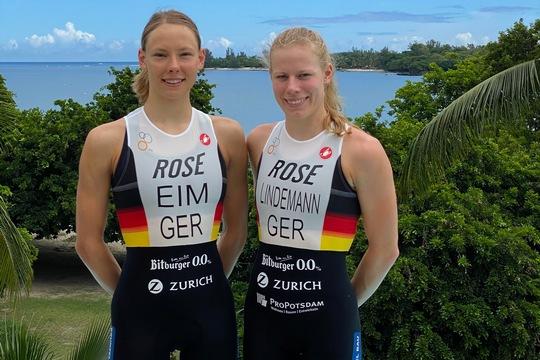 Nina Eim und Laura Lindemann von der Deutschen Triathlon Nationalmannschaft mit den Trikots der Saison 2020