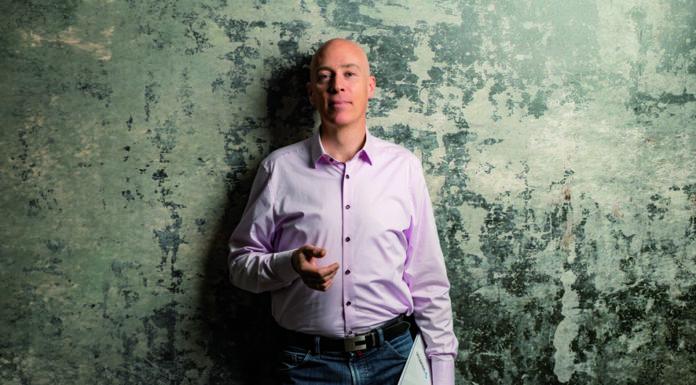 Oliver Meinecke ist IT-Projektmanager mit dem Schwerpunkt SAP und technische Komponenten. Er gilt als einer der führenden Experten im Umgang mit dem SAP Solution Manager und als Profi rund um die Themen Digitalisierung, IT-Intelligenz, IT-Aktualität, IT-Effizienz, Optimierung der Infrastruktur und Homeoffice.